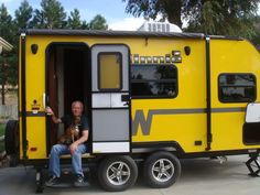 The Abshere's came for the State Fair and took this bright Ultra-Lite Winnebago Minnie travel trailer home with them! Little Campers, Rv Campers, Camper Trailers, Happy Campers, Van Camping, Camping Glamping, Vintage Trailers, Vintage Campers, Bug Out Trailer