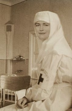 Романовы: Из фотоальбомов последней царской семьи