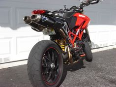 Hypermotard 1100S with 2-1-2 Termignoni and plate mod.