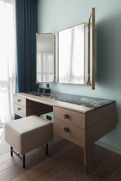 Cum arata un Apartament elegant din Moscova - Archi-Moze Furniture Design, Apartment, Furniture Dressing Table, Home Decor Styles, Built In Furniture, Furniture, Interior Design, Home Decor, Home Deco