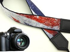 Vintage UK flag camera strap. DSLR / SLR Camera Strap. Camera accessories. Great gift for people who love photography and traveling.  If you decide to choose another design, please take a look here: https://www.etsy.com/shop/Intepro   --- Product description ---  This adorable camera strap is a stylish and comfortable way to personalize your camera. Charming camera strap for DSLR / SLR body style cameras with focus on durability, strength and comfort. Adjustable... #vintagecameras
