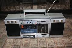Classic Sony FM/AM Radio Cassette Transound CFS-3000 Boombox Stereo