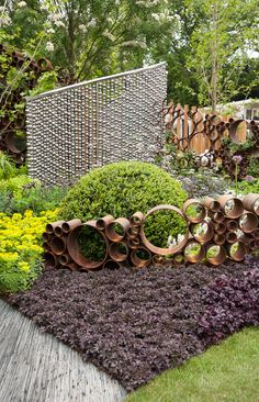 Bubble Decorative Fence - The SeeAbility Garden RHS Chelsea Flower Show 2013 Diy Garden, Dream Garden, Garden Projects, Upcycled Garden, Garden Whimsy, Garden Junk, Garden Sheds, Outdoor Art, Outdoor Gardens