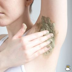 Armpit Detox: The All-Natural Way To Cleanse Your Underarms Skin Care Regimen, Skin Care Tips, Argile Bentonite, Beauty Care, Beauty Hacks, Hair Beauty, Dark Spots Under Armpits, Armpit Whitening, Prevent Ingrown Hairs