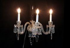 Applique 3 bracci cristallo trasparente con ciondoli.  #dimanoinmano #occasioni #bottegadel900 #arredamento #mobilio #furniture #design #italianfurniture #lamp #light #illuminazione
