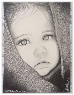 portrait  Young Girl  aux crayons graphite