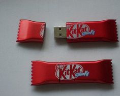 SWEET-024 KIT KAT USB STICK