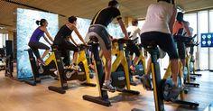 Spinning e soul cycle: conheça as aulas em bicicleta ergométrica que emagrecem muito
