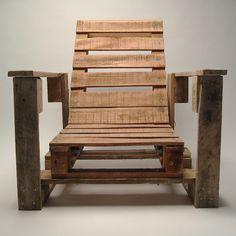 Wood Pallet chair! I would love to make a couple of these (But with cushions) for a future deck!
