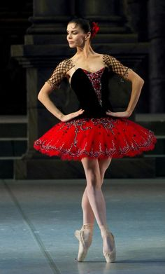 Natalia Osipova in Don Quixote. I love this tutu! Tutu Ballet, Ballerina Dancing, Ballet Dancers, Ballerinas, Bolshoi Ballet, Dance Photos, Dance Pictures, Ballet Costumes, Dance Costumes