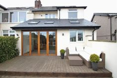 3 bed semi detached house with contemporary decking Orangerie Extension, Extension Veranda, House Extension Plans, House Extension Design, Rear Extension, Extension Ideas, Extension Google, 1930s House Extension, Kitchen Extension Semi Detached