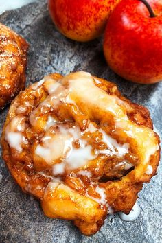 Easy Apple Fritters Recipe, Baked Apple Fritters, Apple Fritter Recipes, Easy Donut Recipe, Donut Recipes, Cooking Recipes, Fried Apples Recipe Easy, Easy Homemade Donuts Recipe No Yeast, Donut Recipe No Yeast