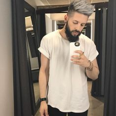 Men's silver double process. Hair Color 2017, Men Hair Color, Hair Color Blue, Gray Hair, White Hair Men, Silver Hair Men, Mens Hairstyles With Beard, Hair And Beard Styles, Mens Platinum Hair