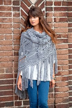 Virkattu huivi ananaskuviolla | Meillä kotona Crochet Mitts, Crochet Poncho, Crochet Scarves, Crochet Clothes, Shawl Patterns, Crochet Patterns, Crochet Ideas, Knitting Patterns, Bamboo Knitting Needles