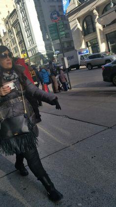 New York Fashion on the go #coffeehour #streetstyle #streetchic #Manhattan #NYC #jmakvillage #jmakjeans #fallfashion #fashion #modellife #shoplocal #denim #jeans #blackskinnyjeans