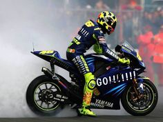 2004 : Yamaha YZR-M1 : Team Gauloises Fortuna Yamaha : World Champion