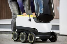 How long would this self-driving delivery robot last in the real world?