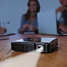 :: HDMI Pocket Projector.