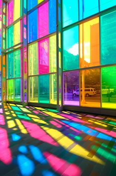 Fred Instagram, Architecture Design, Laminated Glass, Rainbow Aesthetic, Safety Glass, Stained Glass Windows, Glass Panels, Bunt, Interior And Exterior