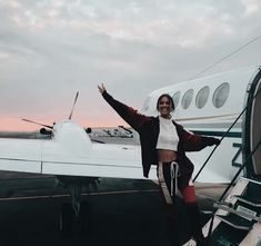 Travel clothes plane Ideas Best Picture For travel aesthetic collage For Your Taste You are looking for something, and it is going. Oh The Places You'll Go, Places To Travel, Travel Destinations, Travel Pictures, Travel Photos, Airport Photos, Plane Photos, Destination Voyage, Backpacking Europe