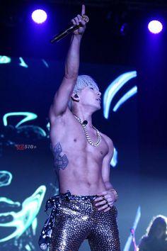 Taeyang - 'RISE' Concert in HK (150110)