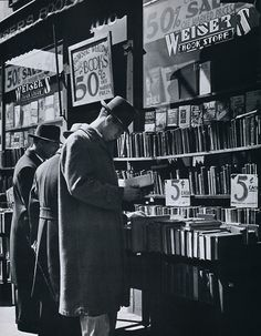 Andreas Feininger  Fourth Avenue book store, circa 1940s  From New York in the Forties