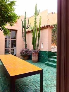 maroc/ green tile courtyard