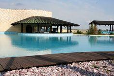 cool resort close to Bucharest Bucharest, Romania, Places To Go, Relax, Exterior, Paris, Outdoor Decor, Travel, Home Decor
