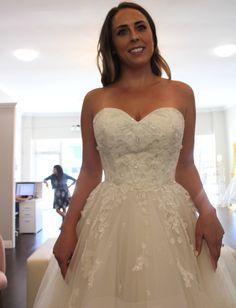 Wedding Dress Shopping at Malindy Elene in Tampa, FL (Anne Barge Blue Willow 'Anya') Wedding Dress Shopping, Wedding Dresses, Anne Barge, Wedding Day, Fashion, Bride Dresses, Pi Day Wedding, Moda, Bridal Gowns
