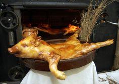 Cochinillo de Segovia, por supuesto Pig Roast, Turkey, Chicken, Food, Restaurant, Cooking, Peru, Meal, Pork Roast