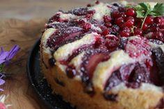 עוגת שזיפים, אגוזי לוז ותבלינים...מהממת...