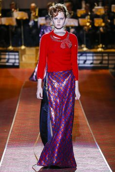 Marc Jacobs Spring 2016 Ready-to-Wear Collection Photos - Vogue **THE SKIRT**