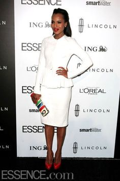 Honoree Kerry Washington wears a Cushnie et Ochs leather jacket and pencil skirt, Kate Spade clutch and Brian Atwood pumps at ESSENCE's 5th Annual Black Women in Hollywood