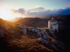 Abruzzo: cuore selvaggio - Il tempietto solitario - Traveller Cards