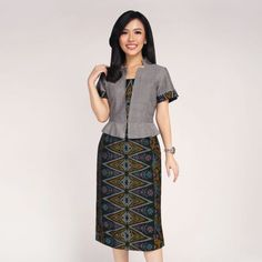 Batik Kultur – Baju Kain Batik Tulis by Dea Valencia Model Dress Batik, Batik Dress, Kurta Designs, Blouse Designs, Blouse Batik, Batik Blazer, Myanmar Dress Design, Batik Fashion, Stylish Blouse Design