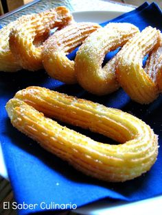 With this recipe of churros so well explained, you are going to stay Con esta receta de churros tan bien explicada, te van a quedar buenísimos. … With this recipe of churros so well explained, you will be very good. Mexican Food Recipes, Sweet Recipes, Dessert Recipes, Delicious Desserts, Yummy Food, Spanish Dishes, Pan Dulce, Latin Food, Food Porn