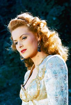Actress Maureen O'Hara (1920 - ): This  beautiful lady is still with us today and did a recent interview with TCM' s Robert Osborne. Click to see photo gallery.