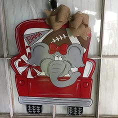 ROLL TIDE anyone. This is a new truck for all those Alabama football fans. It measures by wide, not including the bow. I can make this for other teams if Alabama is not your team.