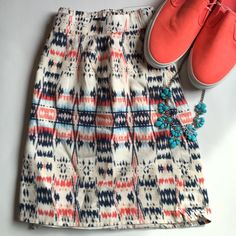 """NWT Aztec Patterned Lined Skirt w/ Pockets! NWT: slightly too big otherwise I'd keep this! Loveee it! Great colors for spring. Flat waist in front but elastic in back. Best part--has pockets!  Shoes and necklace for sake too..just not listed yet. About 36"""" waist laying flat and length 17"""". Skirts Circle & Skater"""