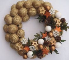 Natural Fruits Wreath Winter Decoration- Natural Fruits Wreath Winter Decoration- DIY HOLIDAY WREATH ❄️ Such a lovely decoration for the Winter holidays!❄️ By: 30 Unique Wreaths to Make This Holiday Season Christmas Home, Christmas Wreaths, Christmas Crafts, Christmas Ornaments, Christmas Candle, Christmas Ideas, Merry Christmas, Decoration Christmas, Christmas Centerpieces