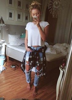 New Millenium Grunge Plaid Flannel Slouchy Cropped T-Shirt Distressed Boyfriend Style Blue Jeans