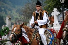 Romanian People and Culture - Bing images Medieval Costume, Folk Costume, Romanian Men, Romania People, Moldova, We Are The World, Bucharest, My Heritage, Central Asia