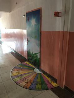 Middle School Classroom, Math Classroom, Classroom Themes, Maths, St Patrick's Day Games, School Murals, School Displays, Nursery School, Class Decoration