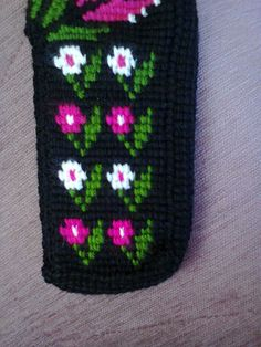 This Pin was discovered by Zey Handmade Crafts, Diy And Crafts, Bfg, Filet Crochet, Crochet Projects, Cross Stitch, Slippers, Creative, Artwork