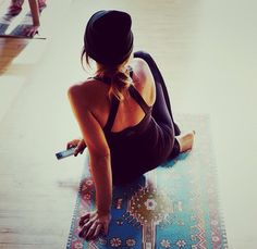 Magic carpet yoga mat... I want!