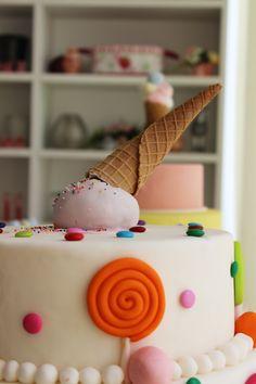#albabasweets #icecream #cake #display