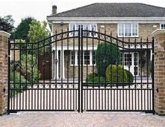 Fearsome Front yard fence styles,Modern fence design philippines and Modern japanese fence design. Brick Fence, Concrete Fence, Front Yard Fence, Metal Fence, Bamboo Fence, Small Fence, Glass Fence, Fence Stain, Horizontal Fence