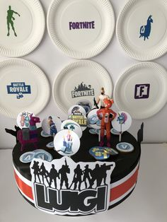 Una festa di compleanno a tema Fortnite - The Partytude Diaries Birthday Cake, Party Ideas, Desserts, Blog, Festivus, Theme Parties, Meet, Events, Birthday