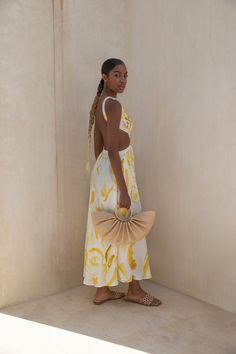 Yellow Dress Summer, Summer Dresses, Theia Dresses, Pretty Outfits, Cute Outfits, Resort Wear For Women, Chic Summer Style, Floor Length Dresses, African Fashion