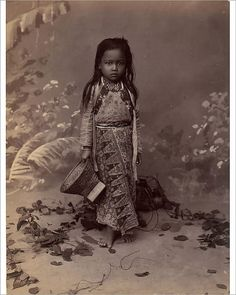 25x20cm (10x8 inch) Print. Javanese Child, 1860s-70s. . Image supplied by Heritage Images Native American Children, Native American Indians, Native Americans, Bali, Photo Vintage, Javanese, Artists For Kids, Jolie Photo, Vintage Pictures